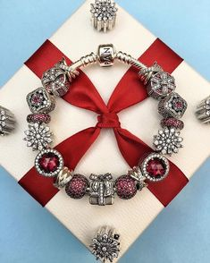 Great gifts come in all shapes and sizes and PANDORA Jewelry is no exception. Choose from our wide selection of charms and bangles to craft the perfect gift for your loved ones. ❤️🎁 #PANDORA #myPANDORA #PANDORAbracelet #PANDORArings #PANDORAearrings #PANDORAstyle #Fashion #Jewelry #TheLookOfYou #NewArrivals #WinterCollection #HolidayShopping #HappyHolidays