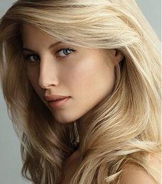 Ter os cabelos bonitos, bem cuidados, cheios de brilho é o desejo de muitas mulheres, já que eles são o chamativo do rosto das mulheres, eles destacam o