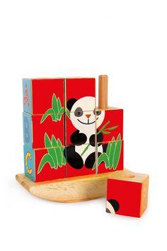 Würfelpuzzle Panda. 4 in 1 lautet das Motto - dieses niedliche Puzzle bietet jede Menge Abwechslung. Die 9 Holzwürfel sind auf 4 Seiten mit verschiedenen Motiven ausgestattet. Bei richtigem Kombinieren ergeben sich 4 niedliche und kindgerechte Motive. Die Holzwürfel werden zum Puzzeln auf Holzstäbe gesteckt und können so auch anschließend dekorativ im Kinderregal Platz nehmen. Dieses Würfelpuzzle aus Holz schult die Fähigkeiten der Kinder und macht gleichzeitig großen Spaß.