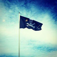 Satunnaisesti saatamme aiheuttaa pahennusta vetämmällä HiQ-piraattilipun salkoon.