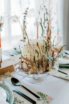 Rustic Buttercream Cake Flowers Dried Seeds Bohemian Natural Wedding Ideas http://www.sarahjanesphotography.com/