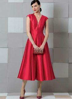 Vogue Patterns, Mccalls Sewing Patterns, Miss Dress, New Dress, Day Dresses, Evening Dresses, Deep V Neck Dress, Dress Making Patterns, Dressmaking