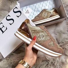 Beckie Logo Print Sneaker Guess Shoes, Me Too Shoes, Streetwear, Guess Bags, New Sneakers, Cloth Bags, Evening Bags, Michael Kors, Outfits