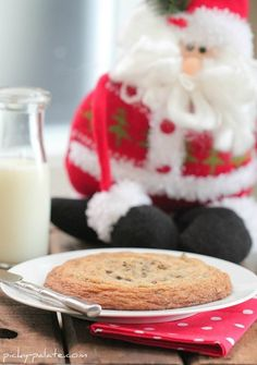 Buttery Crisp XXL Chocolate Chip Cookie for Santa