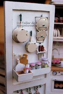 Un Taller de Miniaturas: Mi cocina armario/My kitchen cabinet