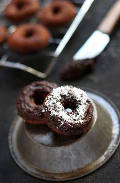 nutella & coconut donut - full recipe and sweet inspiration at jojotastic.com