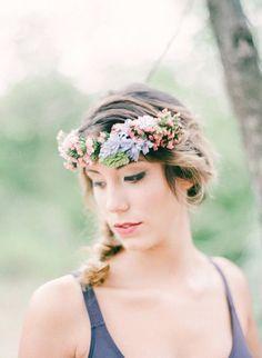 Floral headband: http://www.stylemepretty.com/2015/03/03/bohemian-autumn-wedding-inspiration/ | Photography: Marianne Sabado - http://www.marianne-sabado.com/