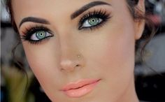 Truco de maquillaje de expertos para potenciar tus ojos verdes | Ser Chickas