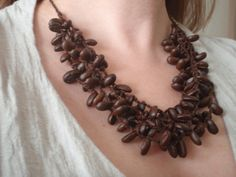 seriously? a necklace made out of coffee? I LOVE IT!!!!!!!
