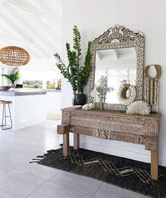Entryway at The Grove Byron Bay. With gorgeous carved console, a bone inlay mirror and large rattan pendant lights a great mix of chosen statement pieces. Home Interior, Interior And Exterior, Interior Design, Interior Ideas, Home Decor Trends, Home Decor Styles, The Grove Byron Bay, Ethno Design, Muebles Living