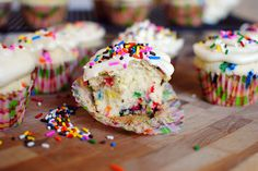 More Funfetti (love the decorating on this site)