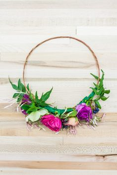 #DIY flower crown wrap for your next garden party or an afternoon craft.