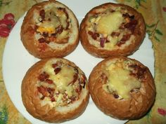 Stuffed buns with recipe photo Junk Food, Meat Recipes, Cooking Recipes, European Dishes, Hungarian Recipes, Hungarian Food, Bread Rolls, Food Photo, Baked Potato
