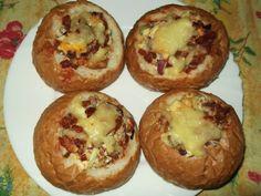 Stuffed buns with recipe photo Meat Recipes, Cake Recipes, Cooking Recipes, Junk Food, Avocado Tatar, European Dishes, Hungarian Recipes, Hungarian Food, Bread Rolls