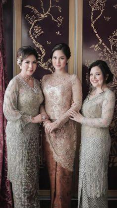 Model Dress Kebaya, Kebaya Modern Dress, Traditional Fashion, Traditional Outfits, Model Kebaya Modern, Kebaya Lace, Kebaya Wedding, Kebaya Muslim, Wedding Dress Trends