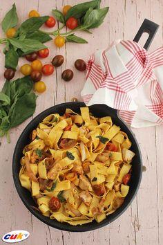 Receta de Tallarines con tomatitos, Pollo CUK y albahaca Pasta Salad, Ethnic Recipes, Food, Basil, Crab Pasta Salad, Eten, Meals, Macaroni Salad, Diet