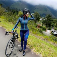 "604 mentions J'aime, 2 commentaires - Women on Bikes (@women_on_bikes) sur Instagram: ""#Repost @andrealeontri ・・・ Me estaba volviendo loca, casi un mes sin salir a rodar pero termine!!…"""