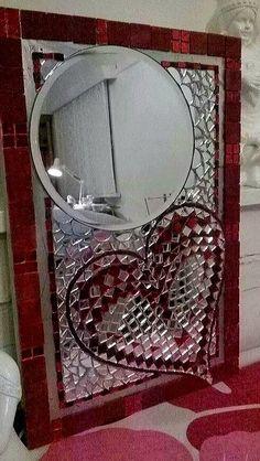 Valentine Mirror Crafts, Mirror Art, Shattered Glass, Dj, Hearts, Diy Projects, Baby Shower, Paper, Garden