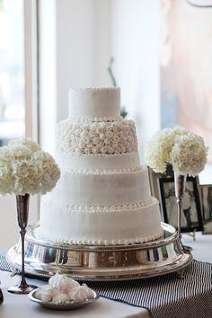 Classic inspired wedding cake