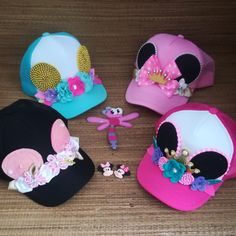Gorras personalizadas Abilia Shopping Minie mouse Whatsapp 3132196957 Unique Baby Shower Favors, Hat Decoration, Girl Birthday Decorations, Cute Lazy Outfits, Crazy Hats, School Bags For Girls, Fancy Hats, Disney Ears, Ear Headbands