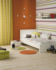 Decoració para habitación de chico. Ideas para decorar una habitación juvenil Cuando los niños crecen, nos encontramos ante el problema de cómo decorar la habitación para que se sientan cómodos, esto se puede lograr simplemente renovando las cortinas y la funda nórdica.