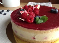 Raspberry vanilla bean cake / Vanilkový dort s malinami Vanilla Bean Cakes, Culinary Arts, No Bake Cake, Panna Cotta, Raspberry, Cheesecake, Food And Drink, Menu, Pudding