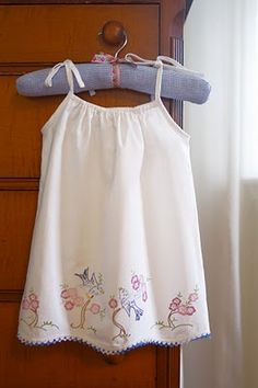 How to make a Pillowcase dress from vintage embroidered pillowcases! Vintage Pillow Cases, Vintage Pillows, Vintage Embroidery, Vintage Sewing, Embroidery Patterns, Pillow Embroidery, Vintage Linen, Vintage Fabrics, Embroidery Thread