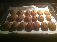 Μπιφτέκια από κόκκινα φασόλια - page 1 - Μπιφτέκια-Κεφτέδες - χορτοφαγία: στάση ζωής You Make Me Happy, You Are My Sunshine, Muffin, Breakfast, Food, Morning Coffee, Essen, Muffins, Meals