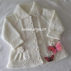 No photo description available. Easy Baby Knitting Patterns, Knitting Baby Girl, Baby Cardigan Knitting Pattern Free, Baby Girl Patterns, Baby Sweater Patterns, Crochet Baby Cardigan, Knit Baby Dress, Girls Knitted Dress, Knitted Baby Clothes