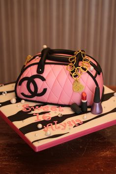Coco Chanel purse cake | Flickr - Photo Sharing!