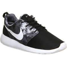 reputable site 10471 9e745 ... Blanc NIKE Roshe run trainers ( 105) ❤ liked on Polyvore featuring  shoes, sneakers, ...
