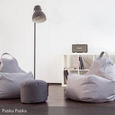 Die lässigen Sitzkissen in dezenten Farben bringen skandinavisches Design ins Wohnzimmer. #sitzsack #chillout #grey