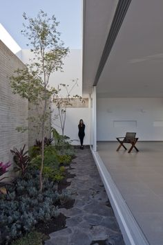 Abraham Cota Paredes Arquitectos 25 is part of Patio interior - Abraham Cota Paredes Arquitectos Upper Floor Plan Modern Architecture House, Interior Architecture, Landscape Design, Garden Design, Woodland House, Basement House, Indoor Garden, Future House, Outdoor Living