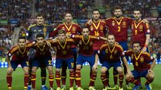 Spain 2014 World Cup Squad. Check out the Spain Squad for the 2014 FIFA World Cup featuring players like Iker Casillas, Xavi, Andre Iniesta and Diego Costa Spain National Football Team, Spain Football, Fifa Football, World Football, World Cup Live, Fifa Teams, Fifa 2014 World Cup, World Cup Champions, Sports Update