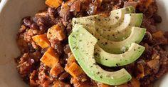 This black bean and sweet potato chili hits the spot #vegan #postworkout #recipes