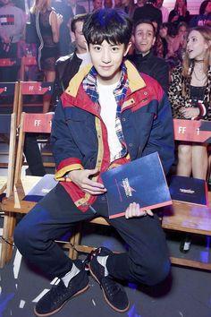 170919 #EXO #Chanyeol @ London Fashion Week: Tommy Hilfiger Show