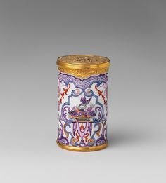 Counter box - Du Paquier period (1718–1744, Date: ca. 1730–35, Austrian, Vienna, Hard-paste porcelain, gold,  Dimensions: Height: 2 1/2 in. (6.4 cm)