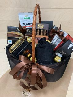 Студия подарков Апельсин, Поиск в Каталоге подарков Gift Wrapping, 18th, Chocolate, Gifts, Gift Wrapping Paper, Presents, Wrapping Gifts, Chocolates, Favors