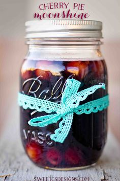 cherry pie moonshine- this is a more delicious and less expensive gift than a bottle of wine! Right beside my apple pie moonshine. Party Drinks, Cocktail Drinks, Fun Drinks, Yummy Drinks, Alcoholic Drinks, Cocktail Recipes, Camping Drinks, Bartender Drinks, Tipsy Bartender