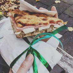 La merenda, sandwich frais à l'italienne, coupé et préparé minute chez l'épicier! Italie