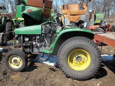John Deere 4600 tractor salvaged for used parts. This unit is available at All States Ag Parts in Ft. Atkinson, IA. Call 877-530-3010 parts. Unit ID#: EQ-23959. The photo depicts the equipment in the condition it arrived at our salvage yard. Parts shown may or may not still be available. http://www.TractorPartsASAP.com