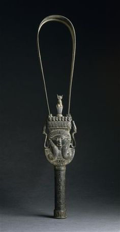 Hathor and Bast Sistrum. Sistre of Henouttaouy. Period: third intermediate period (1069-664 av J. -C. ). Place of discovery: Egypt (origin). Paris, Louvre museum
