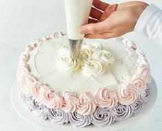 Pursota_ruusukkeet_paalle Frosting, Icing, Deli, Food Pictures, Party Time, Cake Recipes, Cake Decorating, Deserts, Goodies