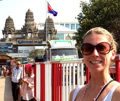 Crossing the Thai/Cambodia border: Poipet