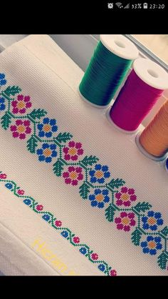 Cross Stitch Rose, Cross Stitch Borders, Cross Stitch Patterns, Diy Projects For Teens, Diy For Teens, Crafts For Teens, Bordados E Cia, Palestinian Embroidery, Craft Work
