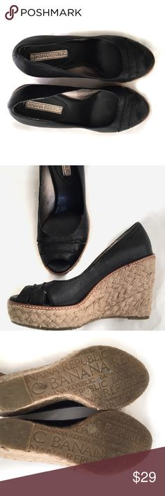 "Banana Republic Leather Wedge Espadrilles  6.5 Perfect condition! Gently used.  4.25"" heels. 1"" platform. Upper 100% leather   ⭐️Suggested User 📫Same or Next Day Shipping 💯Top Rated Seller  🎁 Bundle Discount Buy 3 or more Get 25% Off 🙅🏽No Trades Banana Republic Shoes Espadrilles"