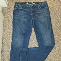 Bundle lot ae jeans and nwt aero Size 12 ae jeans 11/12 aero new with tags shorts ae Jeans Boot Cut