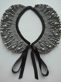 beadjunction beadwork Handmade pearl collar, necklace vintage style. €36.00, via Etsy.