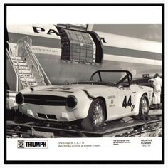 6-Pack member, Mitch shared this really cool picture with me. Needless to say, I had to post it! Thanks for the pictures, Mitch! #Triumph #TR6 #TR250 #triumphtr6 #triumphtr250 #british #sportscar #britishsportscar #vintagecar #vintagesportscar #triumphowners #sixpack #6pack #britishleyland #lucaselectric #group44 #racecar #becauseracecar