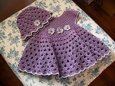 Crochet Baby Girl Bumble Bee Dress And Hat By Sandy Furlough - Free Crochet Pattern - (ravelry) - These baby dress crochet patterns are absolutely adorable and perfect to make for your little one! Did i mention that they are FREE? Baby Girl Crochet, Crochet Baby Clothes, Crochet For Kids, Crochet Dresses, Crochet Children, Crochet Summer, Moda Crochet, Free Crochet, Knit Crochet